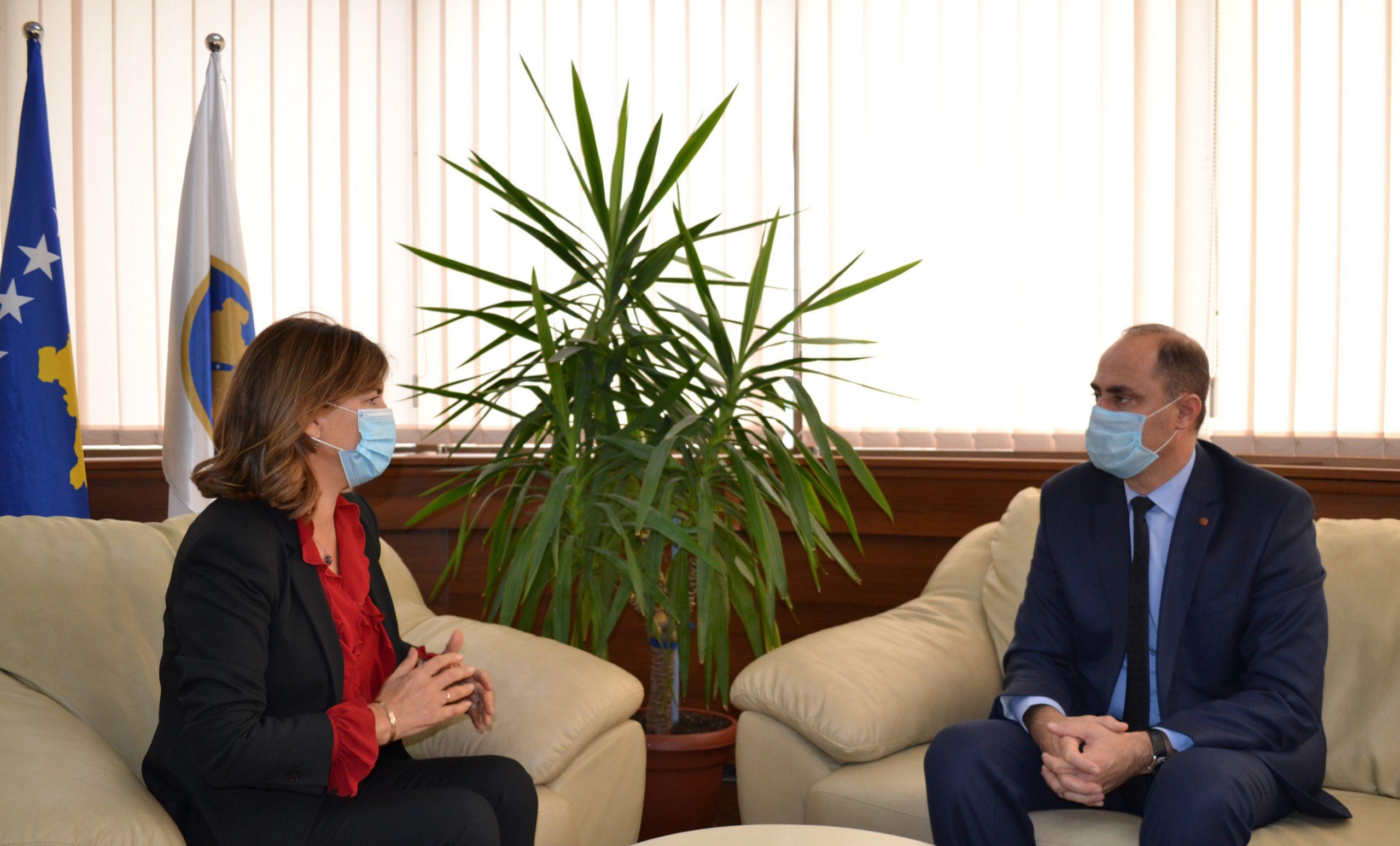 Kryetarja e KQZ-së priti në takim u. d. drejtorin e Përgjithshëm të Policisë së Kosovës